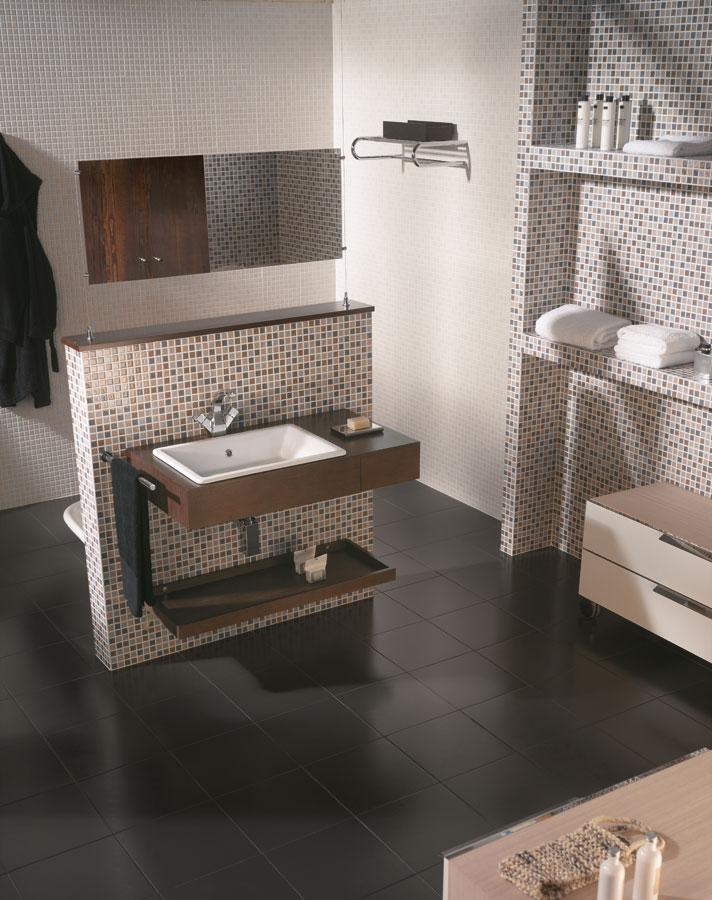 White tiles for Bathrooms | Vitrea