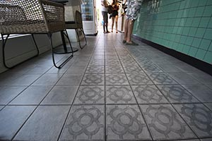 Gres porcelánico efecto cemento confiere un estilo industrial