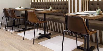 Reforma de restaurante con gres porcelánico de Vives Azulejos Y Gres